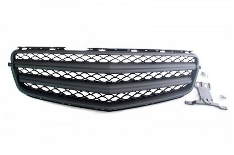 W204 black slot grill (1)